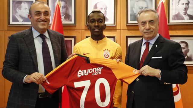 Galatasaray'dan Onyekuru'nun bonservisi için açıklama