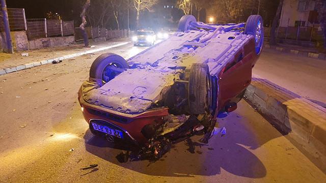 Otomobil takla attı sürücü kaçtı !