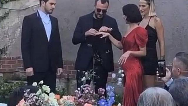 İsmail Ege Şaşmaz ile Hande Ünal nişanlandı