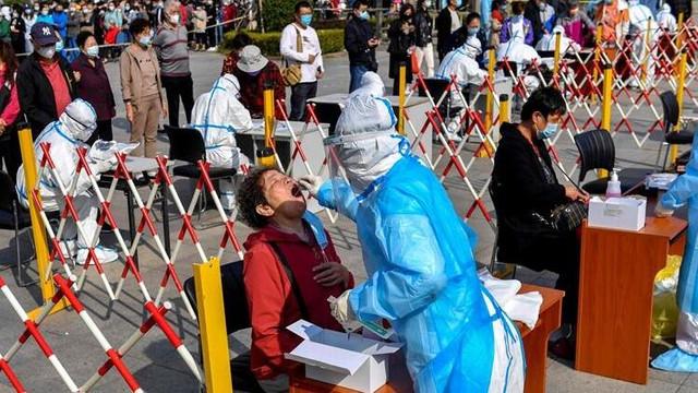 Çin'de 12 yeni vaka görülen kentte herkese test yapılacak