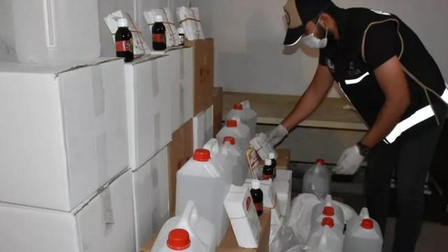 Onlarca can alan sahte alkol üretiminin kilit ismi yakalandı