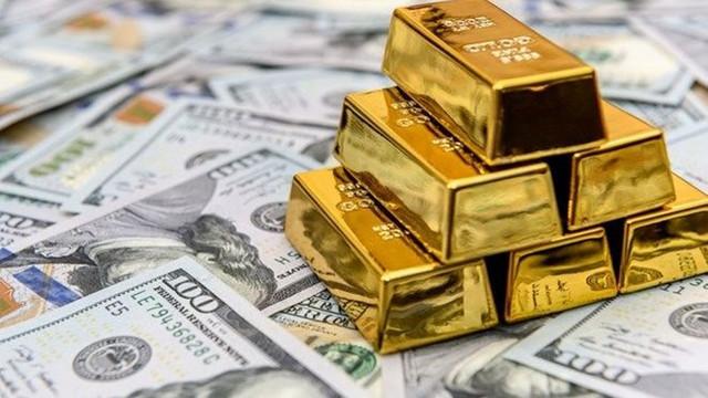 ''Dolarla mı yaşıyoruz'' diyenler ''bakmasın''! Dolar 8 TL'ye dayandı