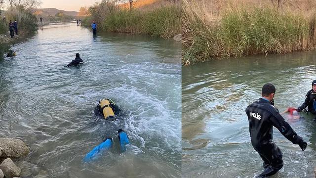 Ayaklarını nehre sokarken suya düşerek boğuldu!