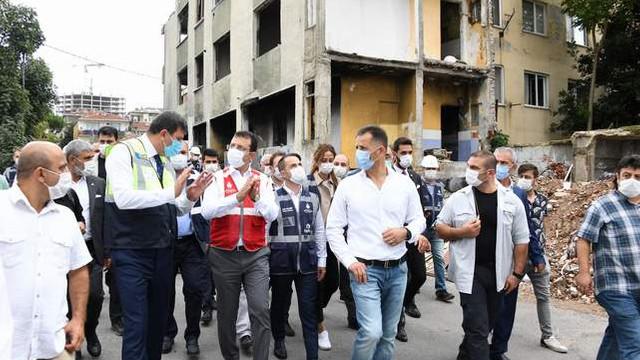 İmamoğlu, Kadıköy'de Fikirtepe ve Hasanpaşa'yı ziaret etti