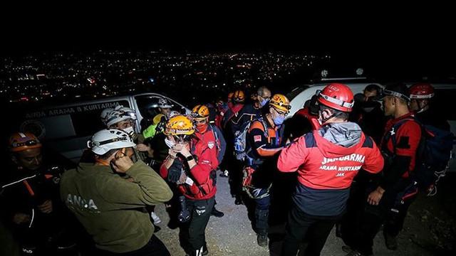 Uludağ'ın eteklerinde kaybolan 4 kişi bulundu