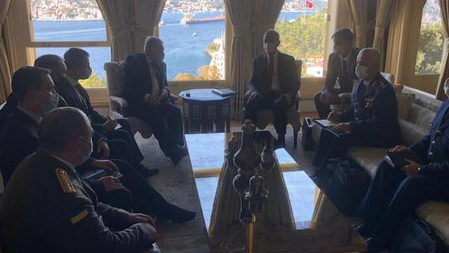 Bakan Akar, Ukrayna Savunma Bakanı ile görüştü
