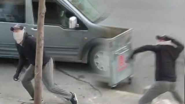 Hırsızlar kendisini uyaran vatandaşlara taşla saldırdı