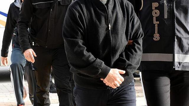 İzmir'de FETÖ üyesi 4 kişi gözaltına alındı