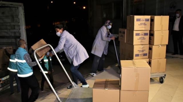Deprem bölgesi Elazığ'dan İzmir'e bir TIR yardım