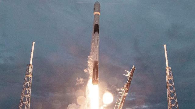 SpaceX, 60 internet uydusunu daha uzaya yolladı
