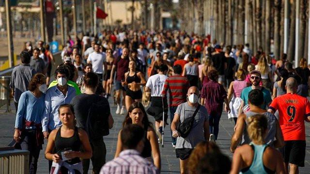 Dünya genelinde günlük vaka sayısı rekor kırdı