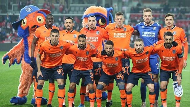 Medipol Başakşehir'de bir futbolcu koronavirüse yakalandı