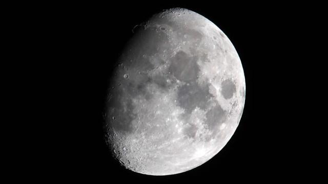 Çin, Ay'da 2 metrelik çukur kazacak