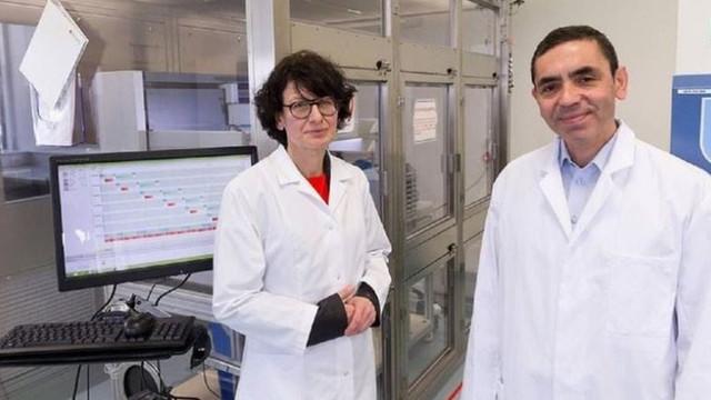 Prof. Dr. Uğur Şahin ve Prof. Dr. Özlem Türenci aşı için tarih verdi
