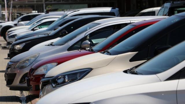 İkinci el otomobil satışları bıçak gibi kesildi! Fiyatlar düşecek mi?