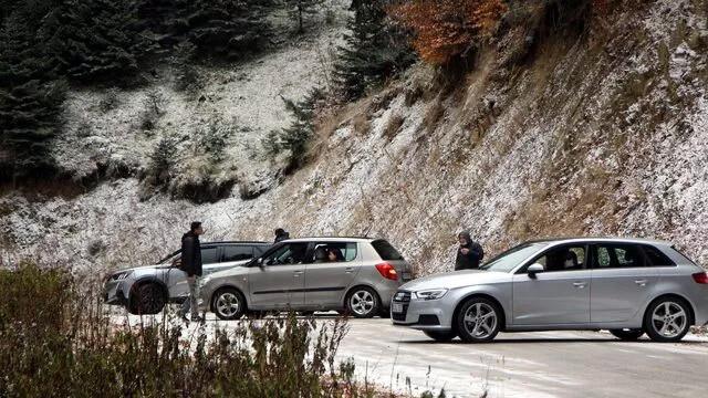 Yol trafiğe kapatıldı, yüzlerce tatilci geri döndü