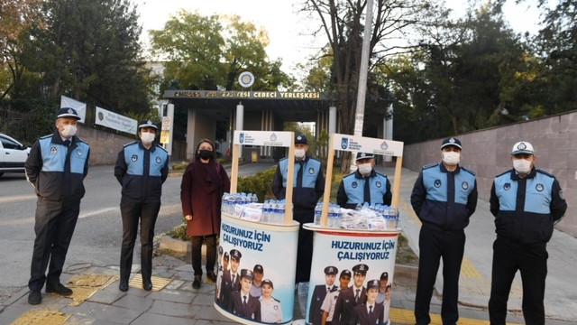 Ankara Büyükşehir, sınav heyecanı yaşayan adayları yalnız bırakmadı