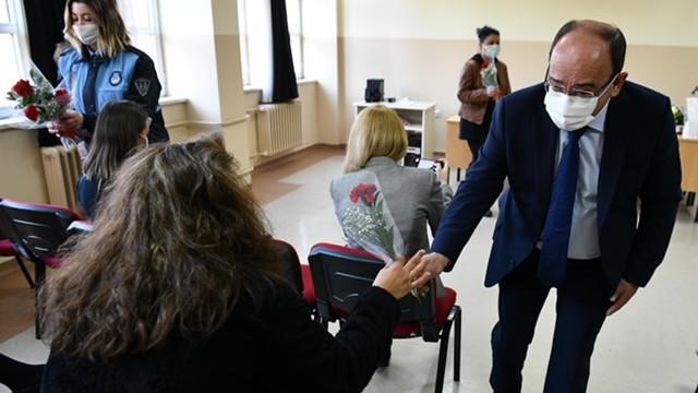 Ankara Büyükşehir'den öğretmenlere moral konseri ve ziyareti