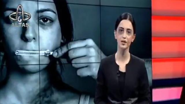 Kadın spiker canlı yayına yüzündeki morlukla çıktı!