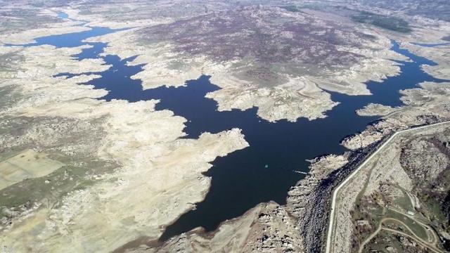 Baraj kurudu, 36 saatlik su kesintisi başladı