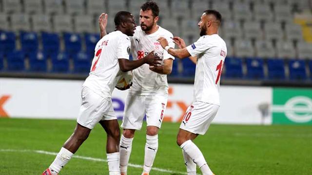 Sivasspor Karabağ'ı geriden gelerek 3-2 mağlup etti