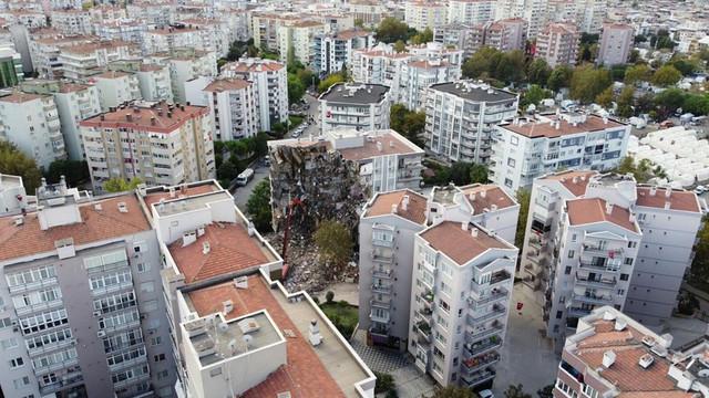 İzmir'de deprem sonrası ev krizi!