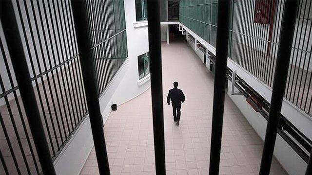 Açık cezaevlerindeki hükümlülerin korona izni uzatıldı