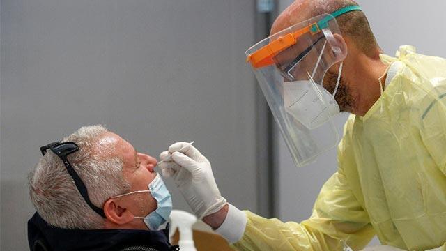 İtalya'da koronavirüsten son 24 saatte 827 kişi hayatını kaybetti