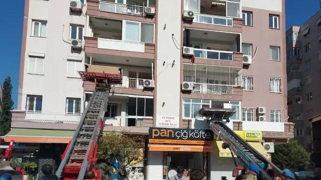 İzmir'i vuran deprem sonrası vatandaşlar, Bayraklı'dan kaçıyor