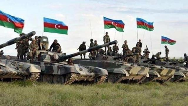 Azerbaycan ordusu 28 yıldır işgal altında olan Laçin'e girdi!