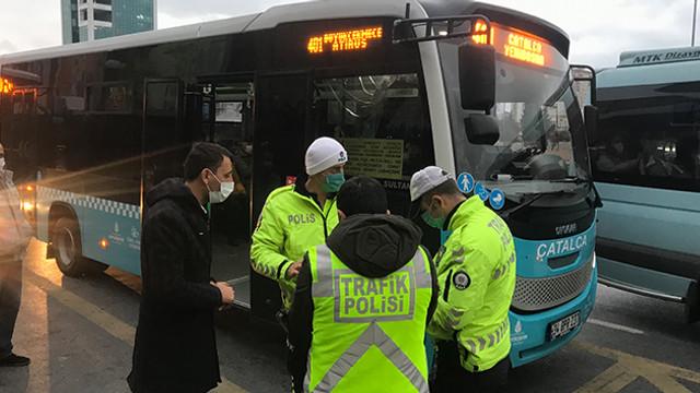 Minibüsten indirilen yolcudan polise ilginç tepki