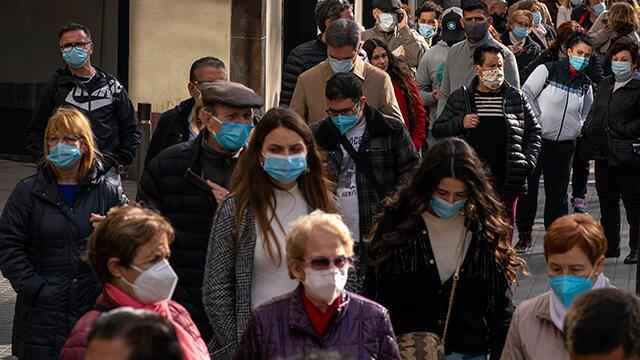 İspanya'da son 24 saatte 273 kişi koronadan öldü