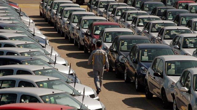 İkinci elde otomobil satışlar durdu