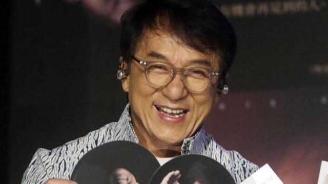 Jackie Chan'den sürpriz korona virüs hamlesi