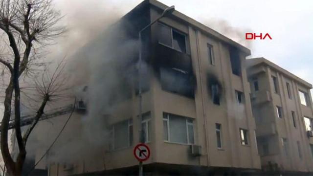 İstanbul'da yangın paniği! 4 katlı binada yangın çıktı