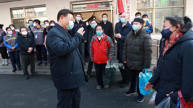 Çin Devlet Başkanı salgından günler sonra ortaya çıktı