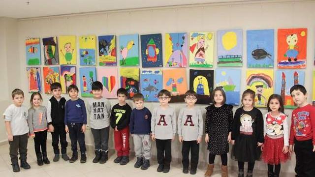 Kreş öğrencileri Kartal'da düşlerini resimle anlattı
