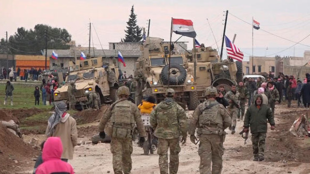 Suriye'de olan biteni özetleyen fotoğraf