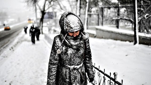 Meteoroloji'den kuvvetli kar yağışı uyarısı! Sel ve çığ tehlikesine dikkat!