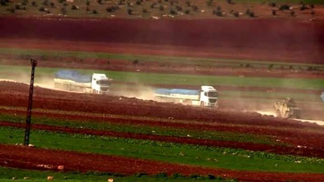 100 araçlık konvoy Suriye sınırına gitti
