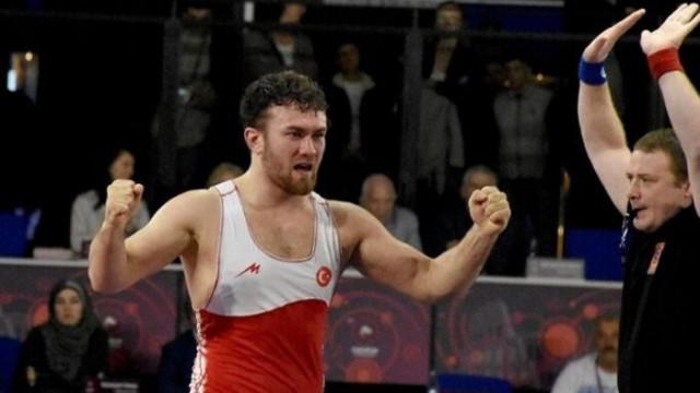 Milli güreşçi Süleyman Karadeniz, Avrupa şampiyonu oldu
