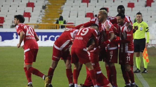 ÖZET   Sivasspor - Alanyaspor: 1-0 maç sonucu