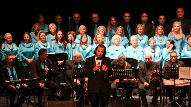 13 farklı dilde şarkılar Maltepe'de söylendi