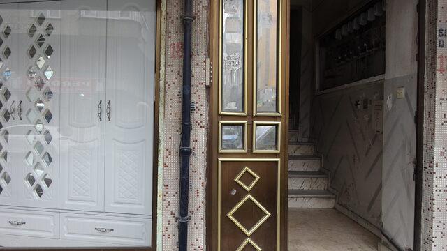 Hırsızlar apartmanın kapısını çaldılar !