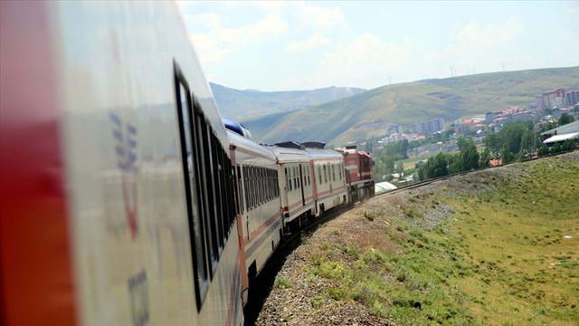 İran'la tren seferleri durduruldu