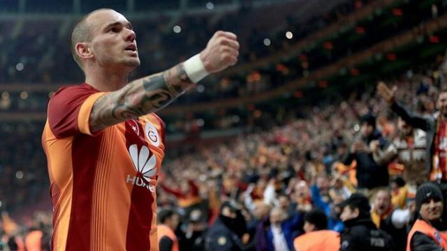 Sneijder'den Fenerbahçelileri kızdıracak paylaşım geldi!