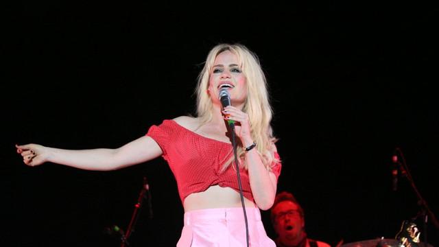 Ünlü şarkıcıdan ''tecavüze uğradığım'' itirafı