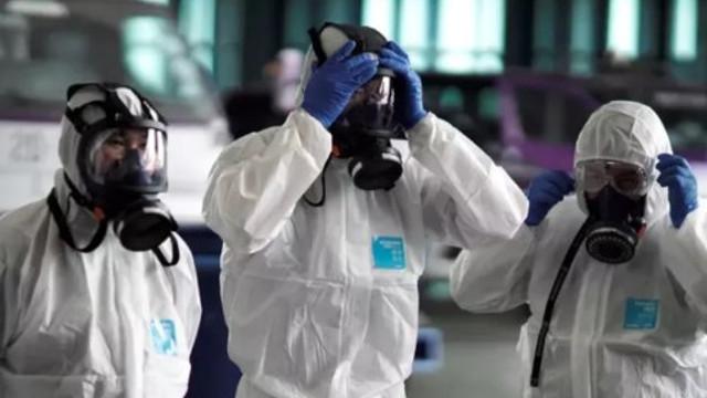Türkiye'nin etrafını Koronavirüs sardı ! 3 ülkeye daha sıçradı