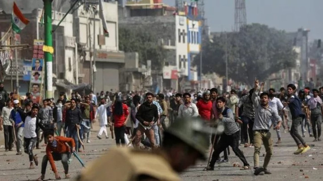 Hindistan'da vatandaşlık yasası çatışma çıkardı: Çok sayıda ölü var