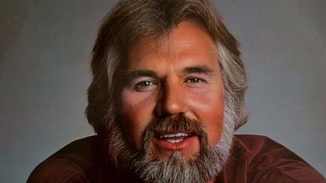 Ünlü şarkıcı Kenny Rogers, hayatını kaybetti